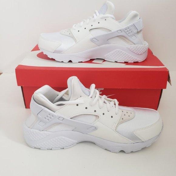 Nike Air Huarache Run (Women's Size 9, Men's 7.5)